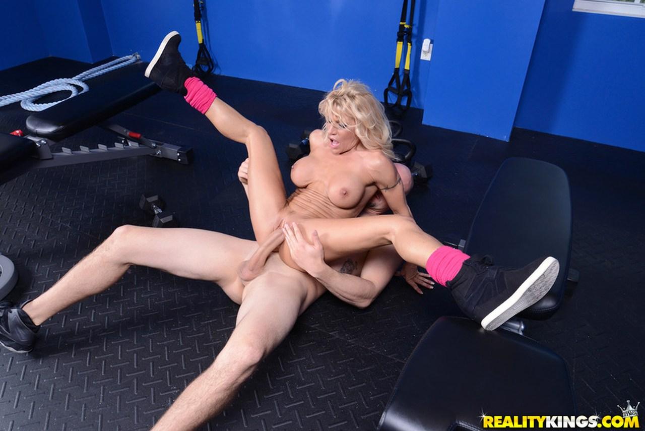 Секс в тренажёрке 19 фотография