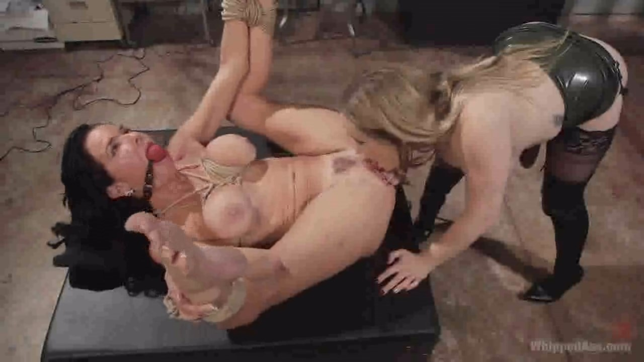 Roccosiffredi veronica avluv squirts from ass play 8