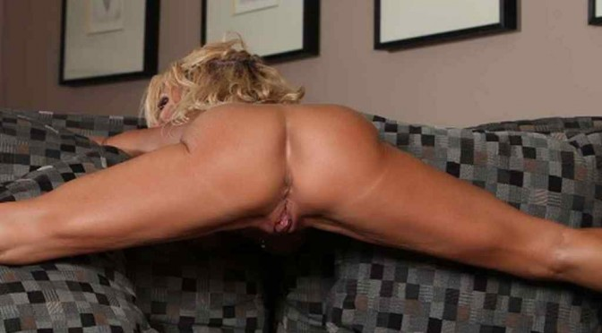 Aziani Iron - Ripped Hottie Gina West! If you love a naughty and ripped hottie, you've come to the right place. Gina is your girl! gina3_hfb.jpg