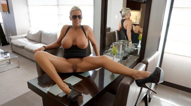 Wifeys World – Viva Las Vegas Call Girl!