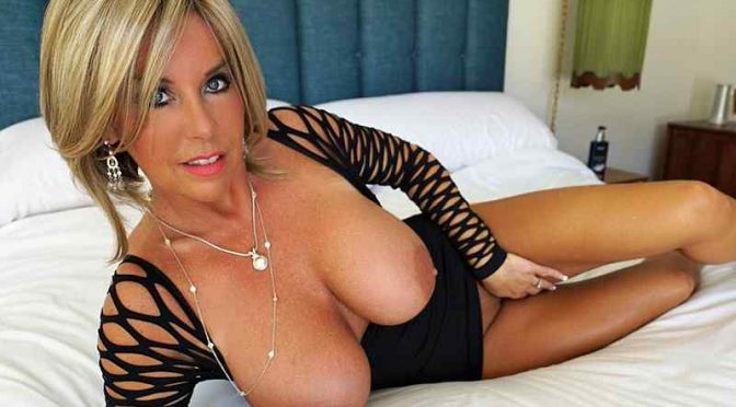 Wifey's World – Palm Springs Call Girl!