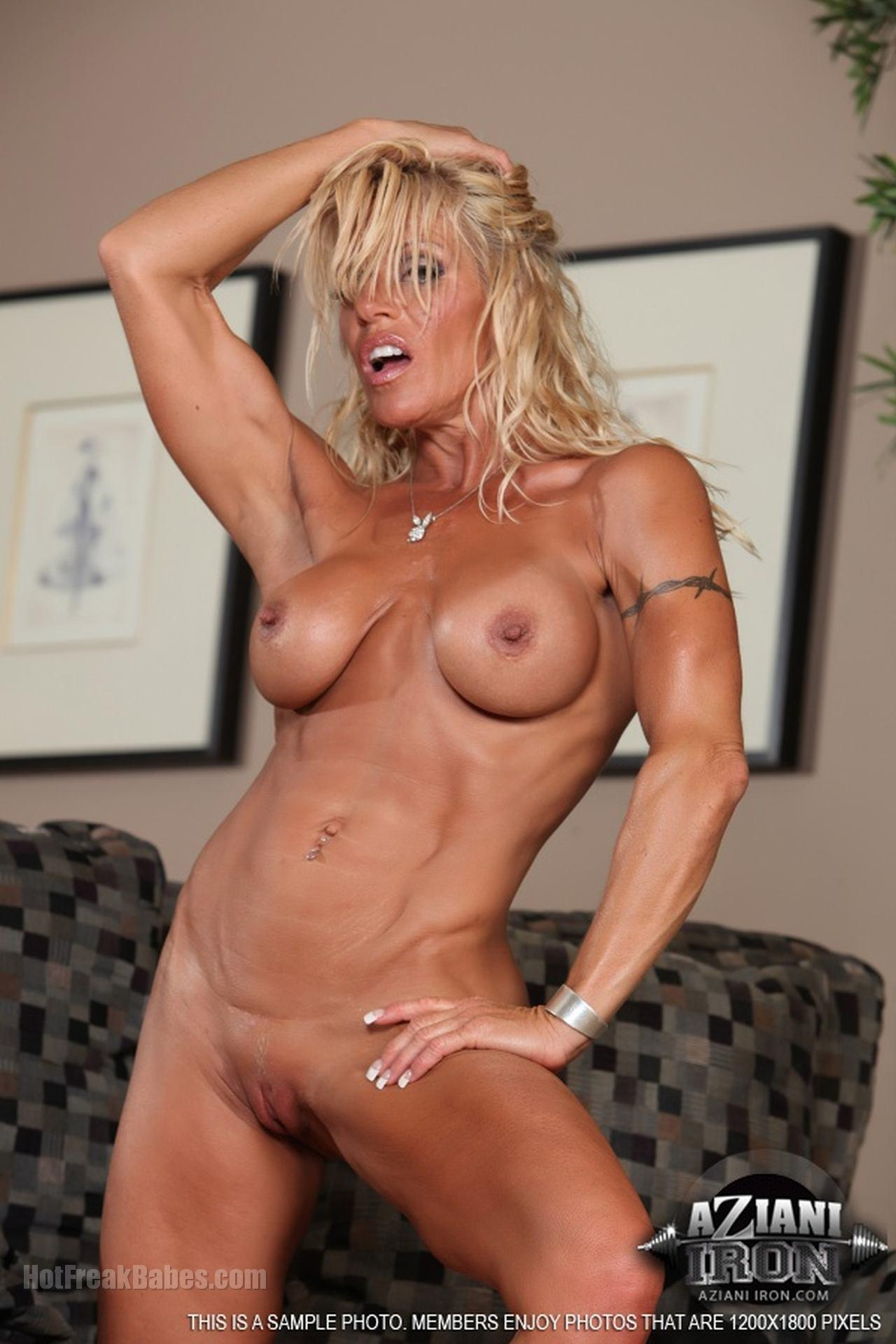 Blonde muscle