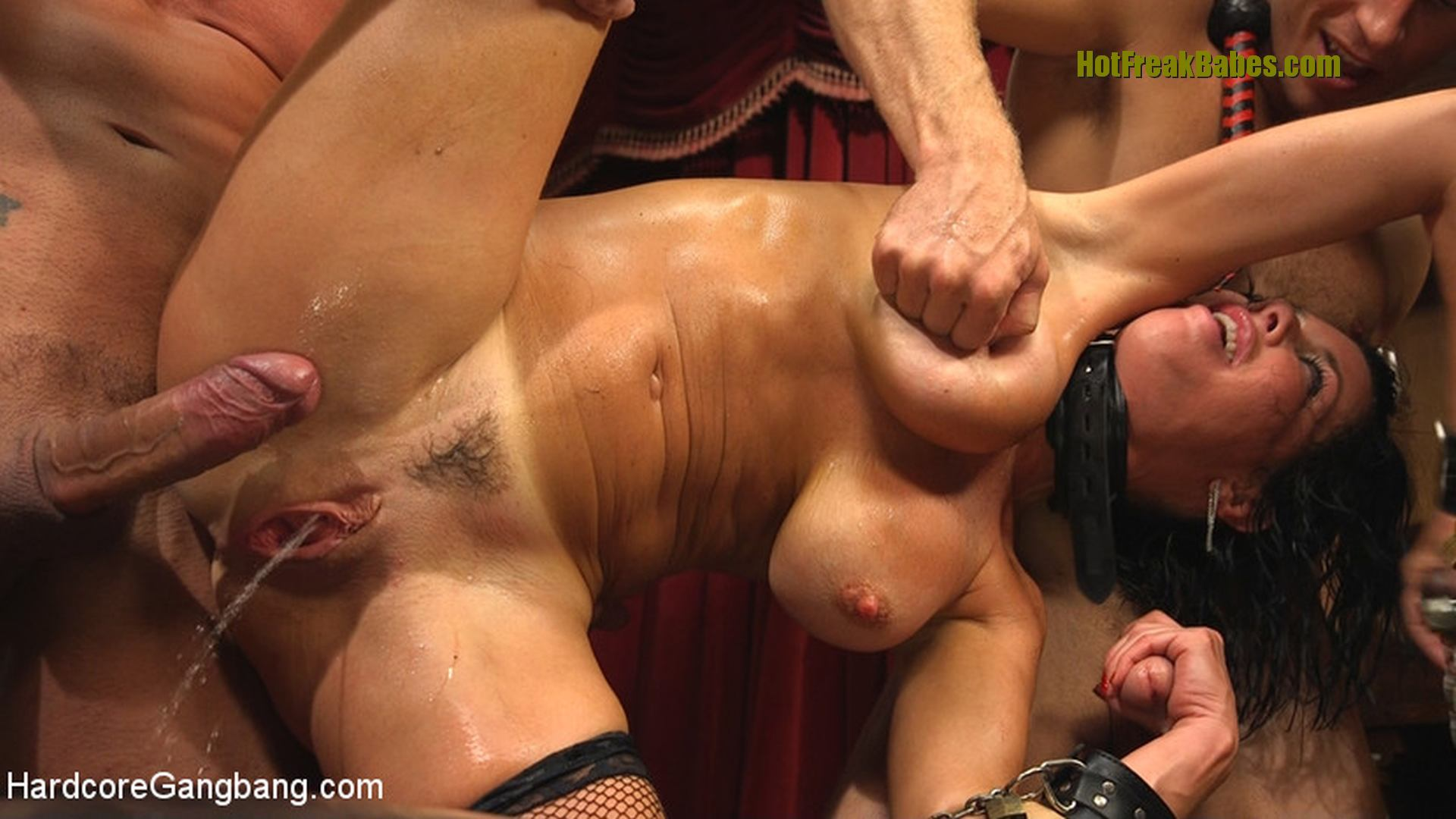 Girls wrestling men nude